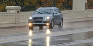 Here comes the rain: Expert tips for wet weather driving