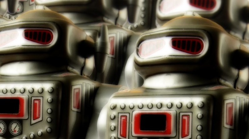 6 Ways to Use Chatbots In Your Small Business Strategy