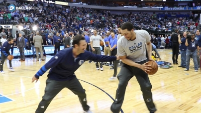 Watch Tony Romo warm up with the Dallas Mavericks